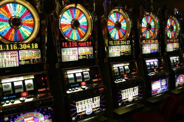 Онлайн казино Рокс — место азарта и веселья